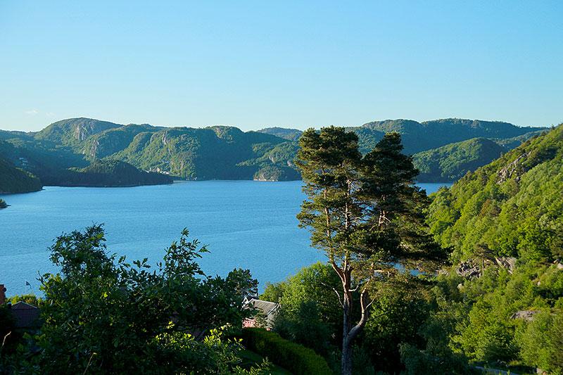 Blick auf den Gronsfjord, einen der südlichsten Fjorde Norwegens.