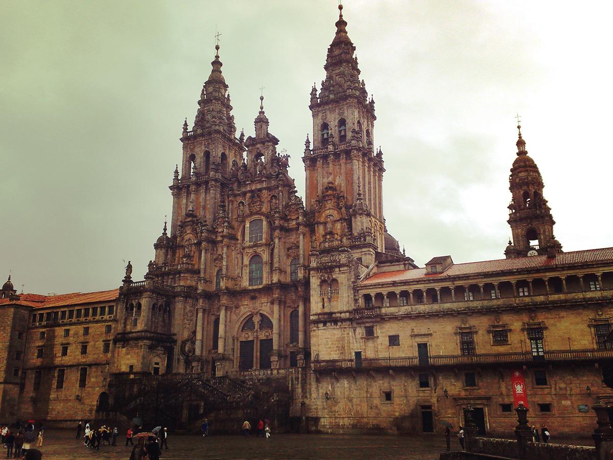 ... bis nach Santiago de Compostela. knapp 800 Kilometer durch Nordspanien. Höhen und Tiefen inklusive.