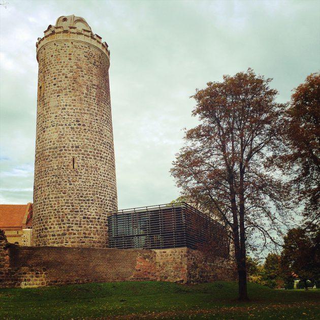 Der Turm mit Bischofsmütze gehörtzweifelsohne zur Bischofsresidenz Ziesar