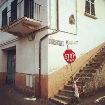 Verwinkelte Gassen, steile Treppen: ein Gang durch Baveno