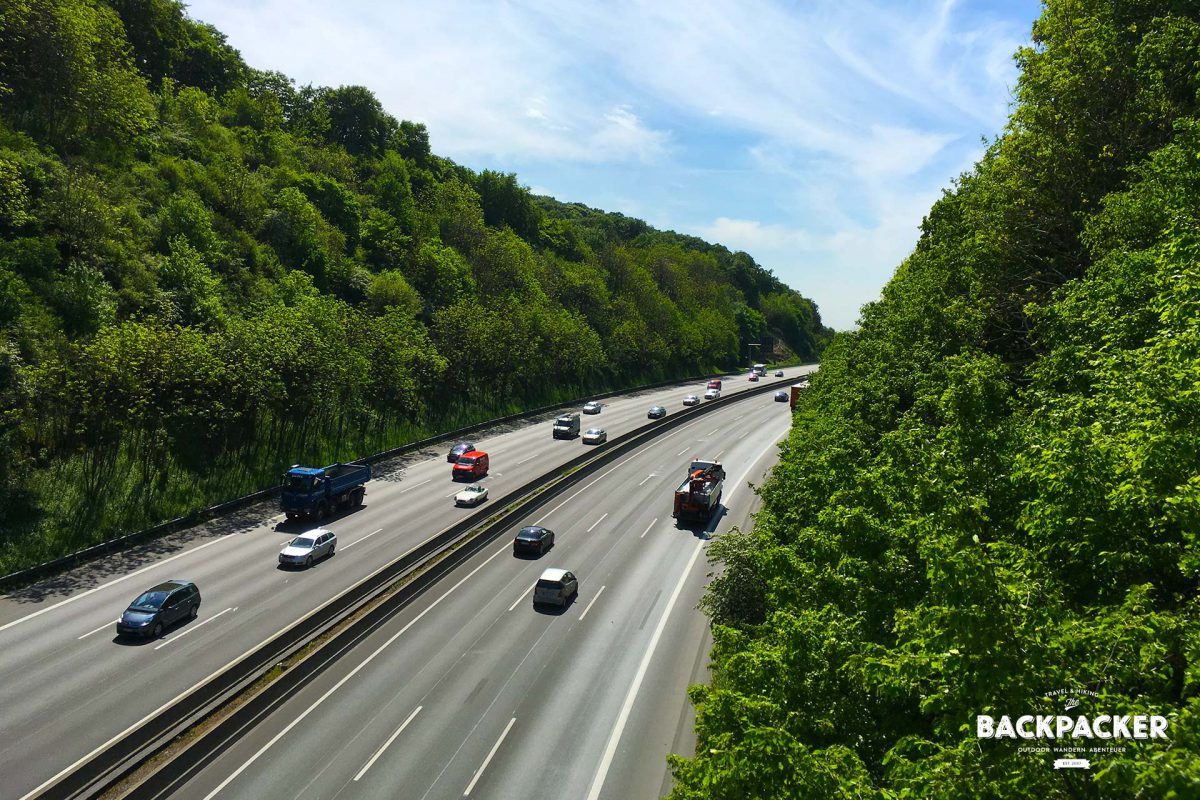 Kurz hinter Bielefeld wird es nochmal laut: auf einer Brücke wird die A2 überquert. Kurz danach kehrt aber schon wieder Ruhe ein.