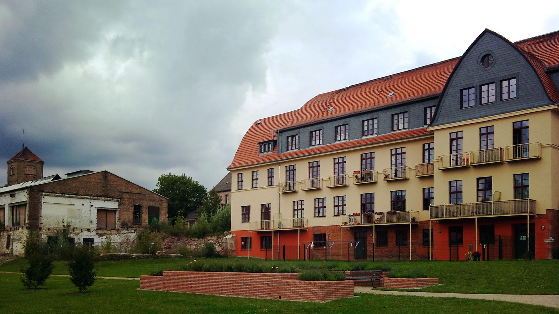 Erinnernde Geschichte: Das einstige Messingwerk von Finow. Wo früher gearbeitet wurde, wird heute luxuriös gewohnt.