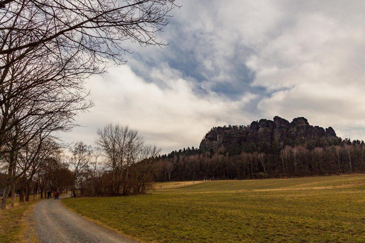 Tafelberge gibt es viele in der Sächsischen Schweiz. Doch nur wenige zeigen sich so eindrucksvoll wie der Lilienstein oder hier der Pfaffenstein.