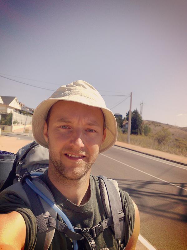 Selfie in Ponferrada. Mittlerweile schon wieder Mittag und knapp 30 Grad warm.