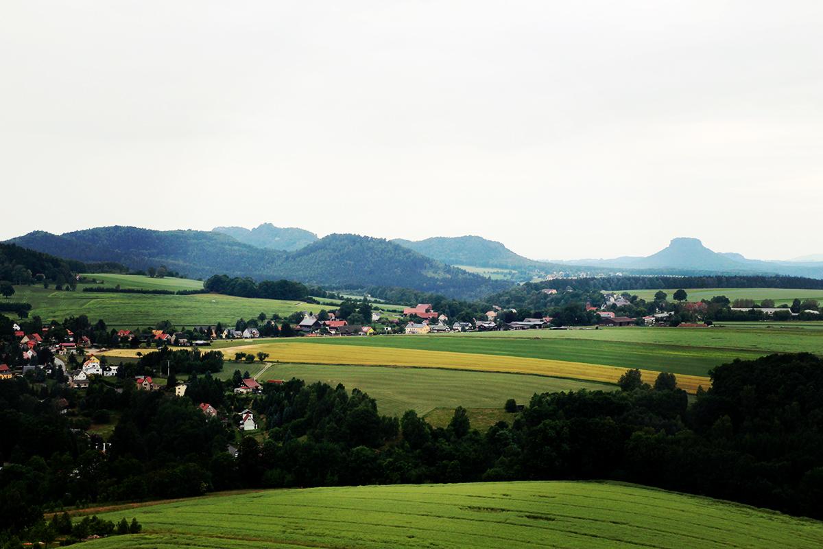 Blick zum Lilienstein. Auch ein schöner Berg. Wenn nicht sogar der schönste Tafelberg des Elbsandsteingebirges.