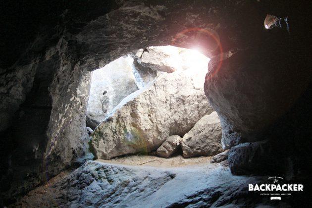Um in diese Höhle zu kommen sollte man schon klettern können. Doch es lohnt sich ...