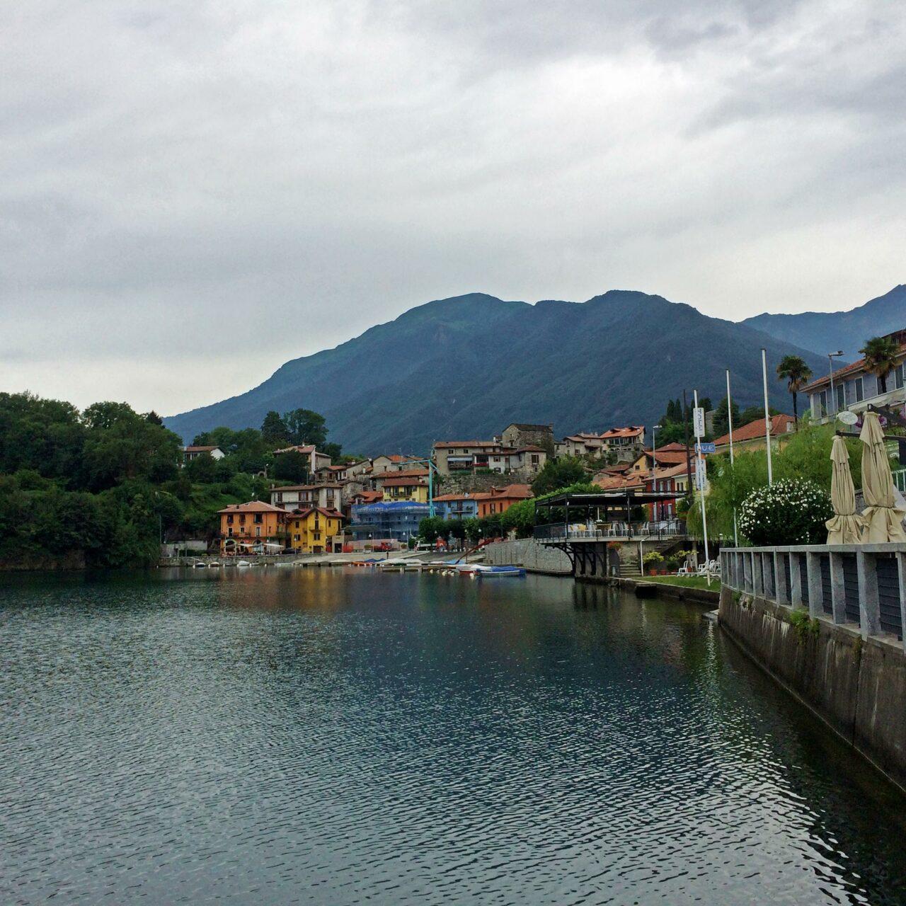 Das Städtchen Mergozzo, direkt am gleichnamigen See gelegen unweit des Lago Maggiore