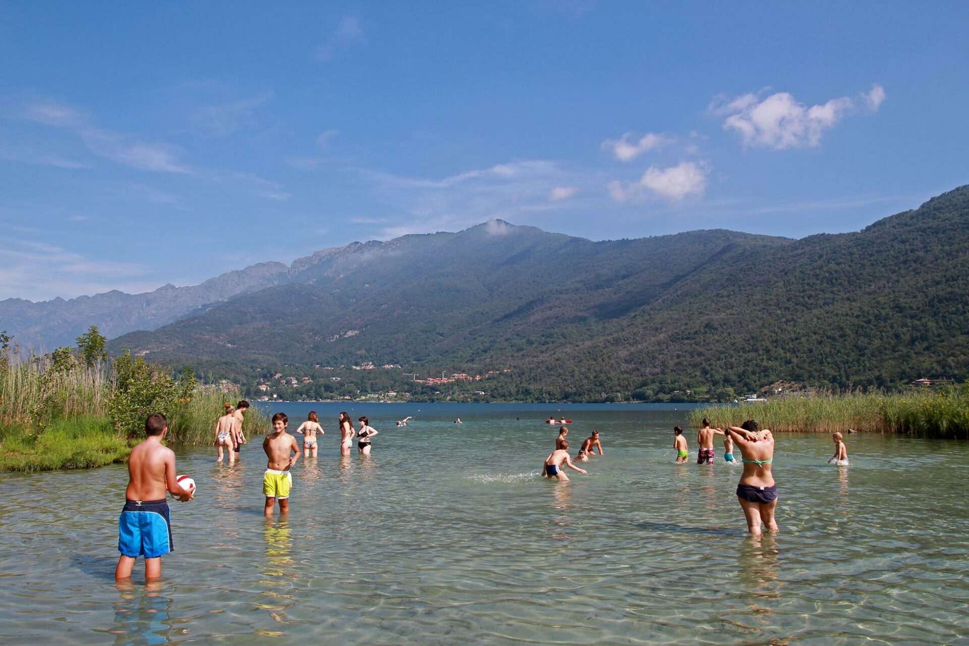 Warm duschen - kalt baden: Kneippkur am Lago Mergozzo