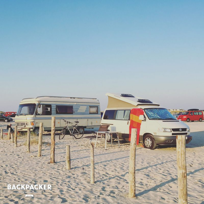 Parken direkt am und auf dem Strand.