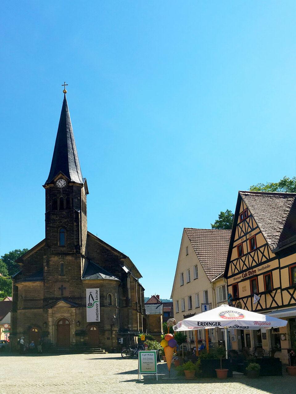 Startpunkt der Wanderung ist die Stadt Wehlen, welche idyllisch direkt am Ufer der Elbe liegt.