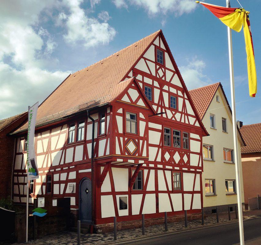 Mittelalter pur: Das historische Rathaus in Eschau.