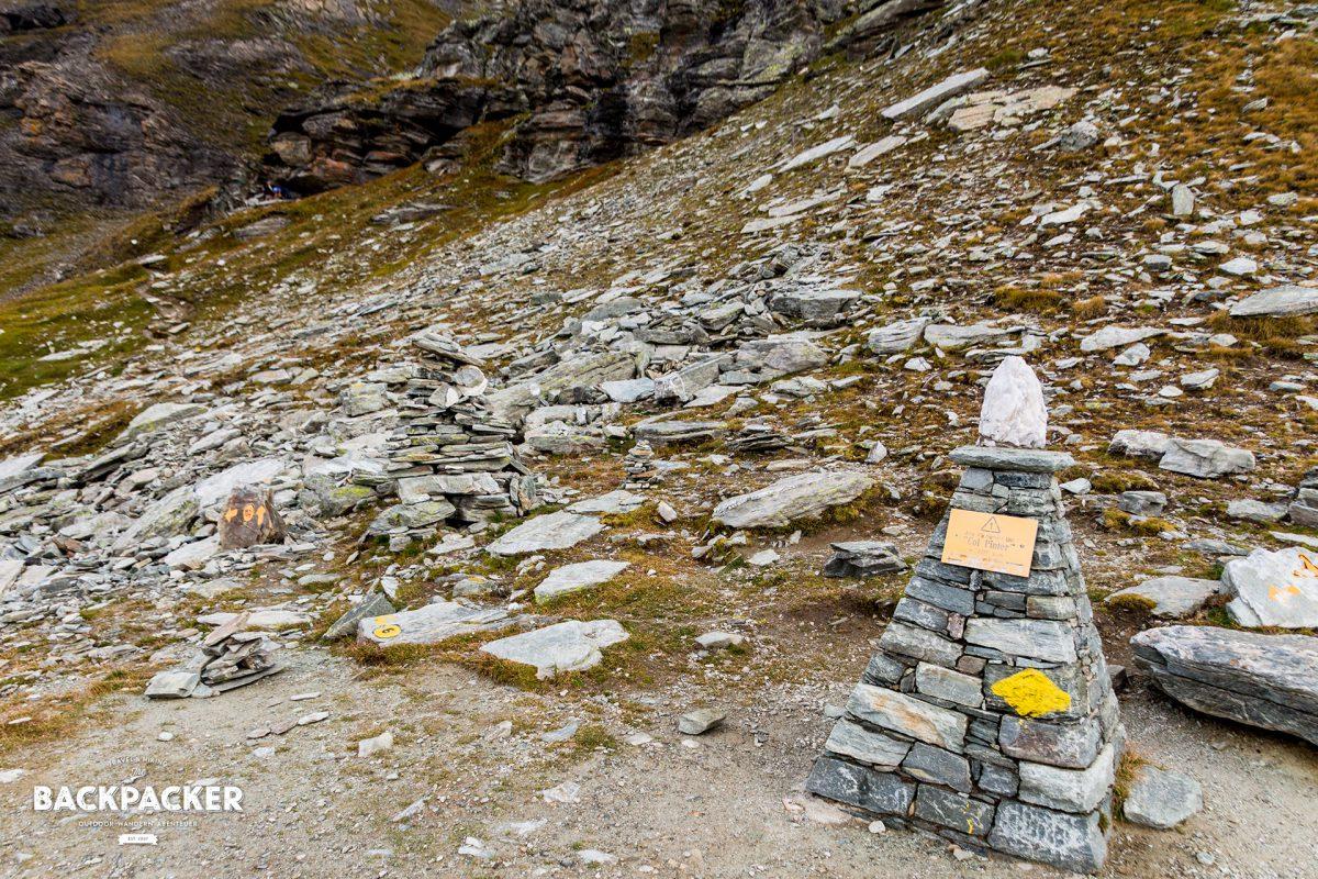 Ab hier geht es nur noch bergab: Der Pass des Colle Pinter in 2.778m Höhe.