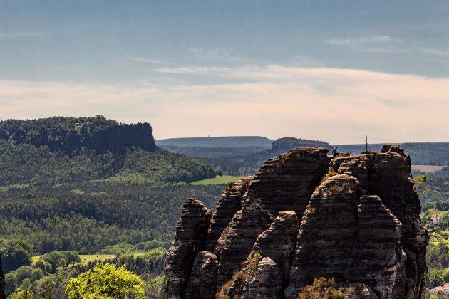 Bei gutem Wetter genießt nicht nur der Kletterer eine fabelhafte Aussicht. Auch der Wanderer.