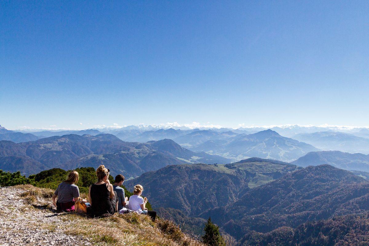 In südliche Richtung erstrecken sich die Tiroler Berge bis weit über den Hohen Tauern hinaus.