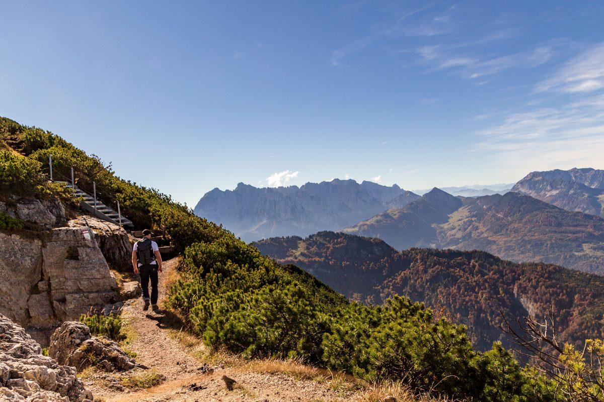 Schatten ist Mangelware – Bei der Besteigung des Unterberghorns braucht es unbedingt eine Kopfbedeckung