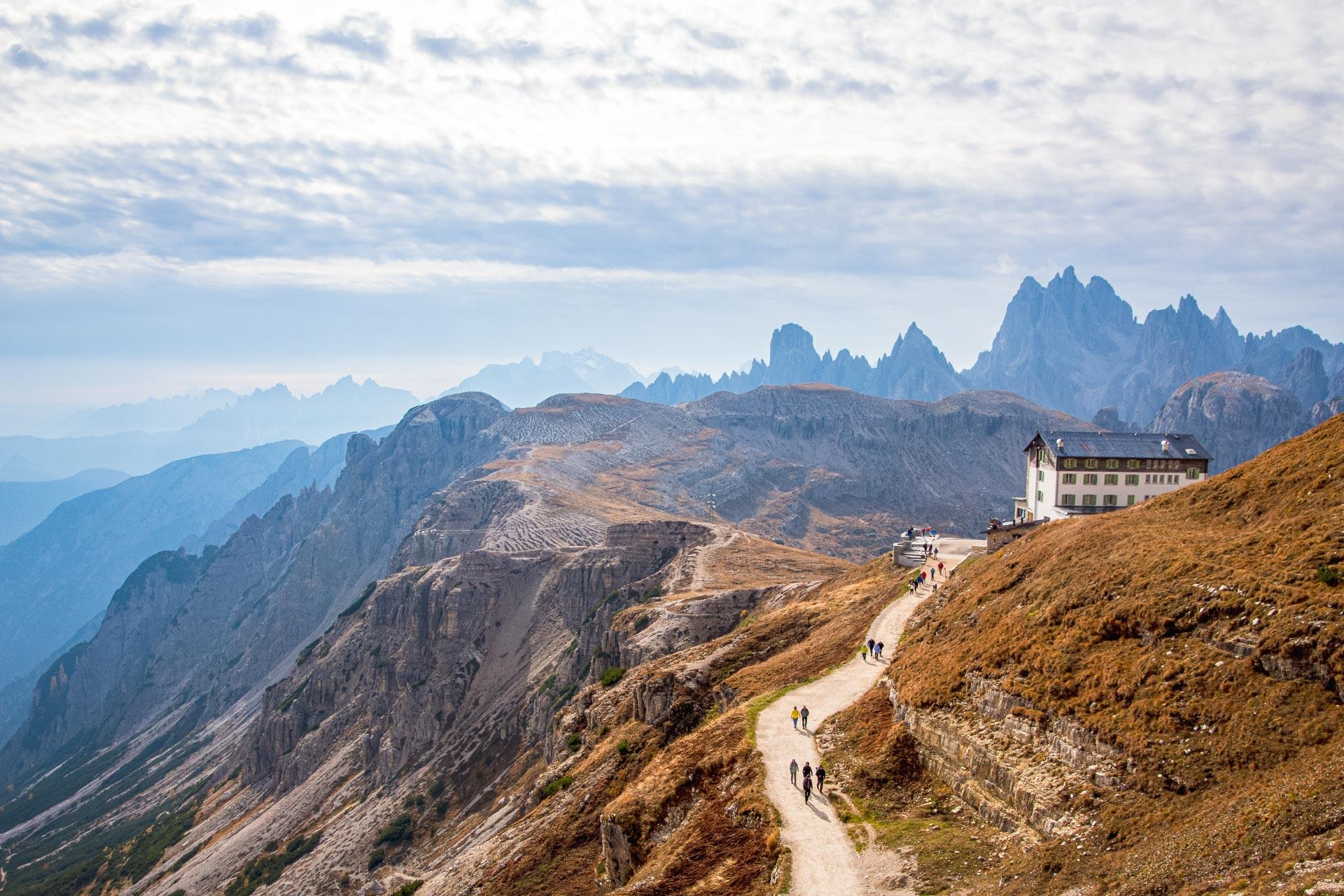 Startpunkt der Wanderung ist die Auronzo Hütte auf 2.330 Höhenmetern