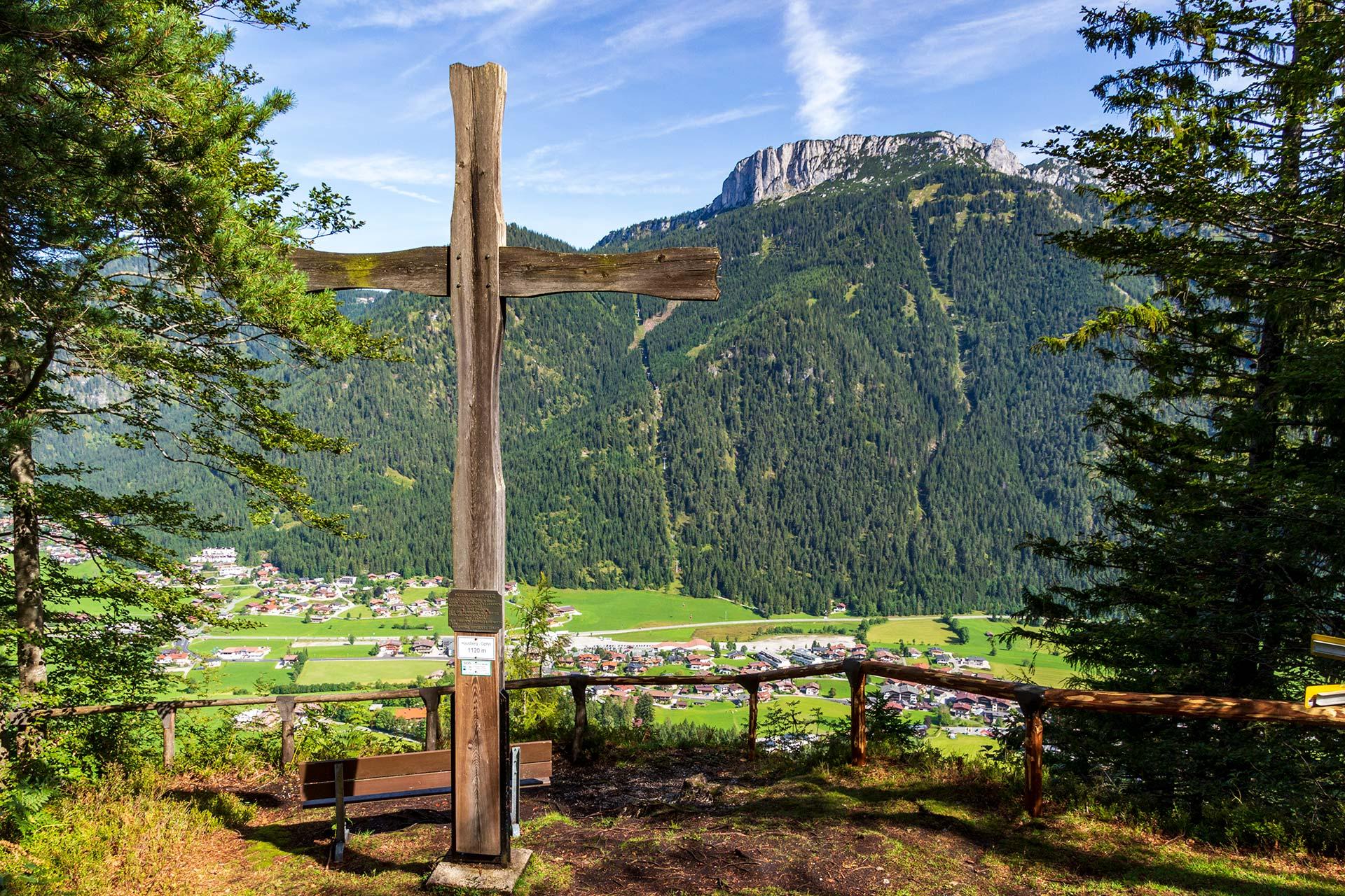 Der Gipfel des Waidringer Hausberg ist der erste Berg, den es oberhalb des Pillersee zu erwandern gilt.