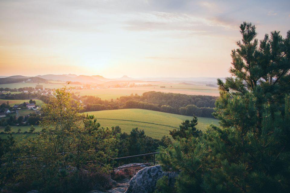 Sonnenuntergang via Elbsandstein: Auf der Kaiserkrone