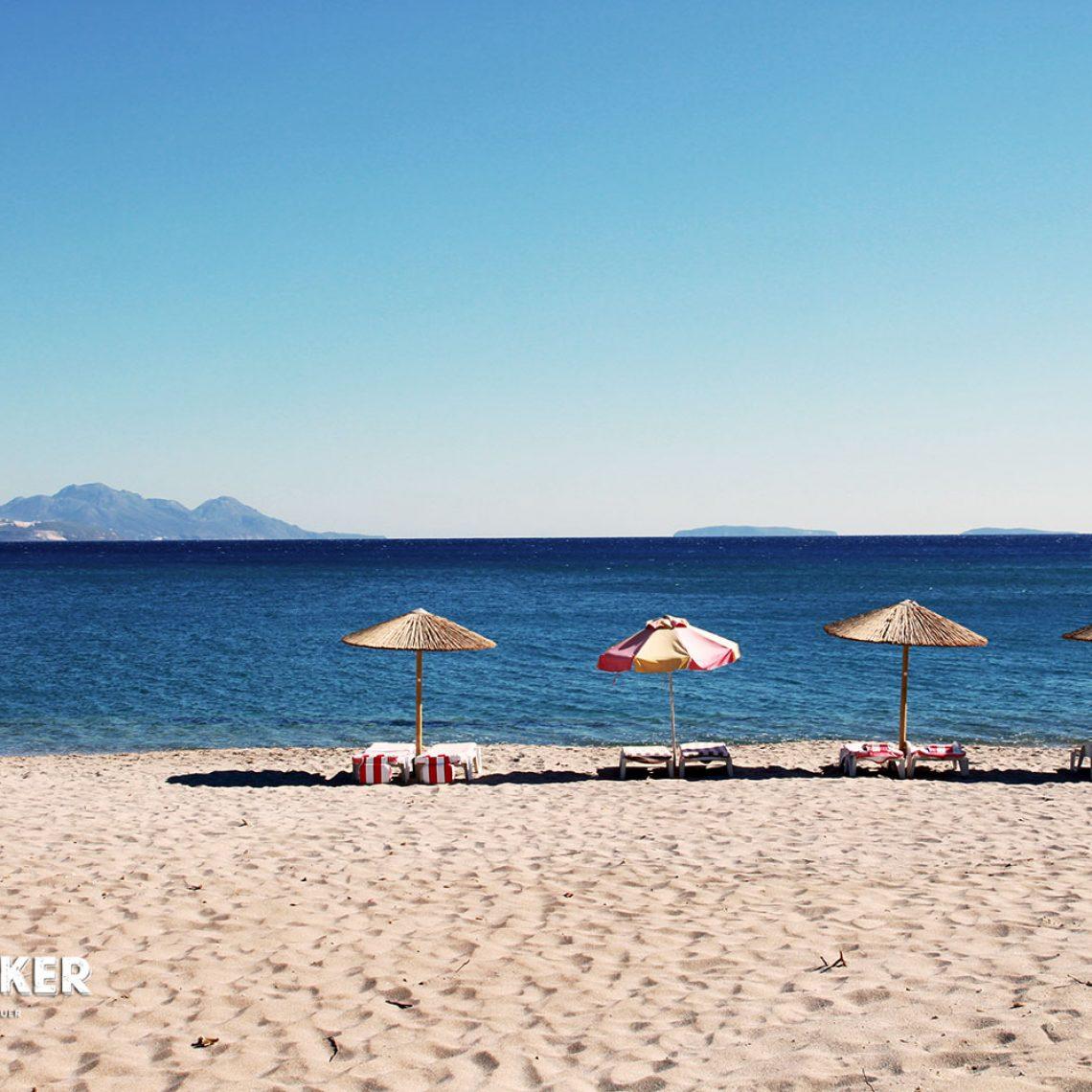 Feiner Sand, kristallblaues Meer. So bietet sich der Strand wie hier am Sunny Beach im Südosten der Insel.