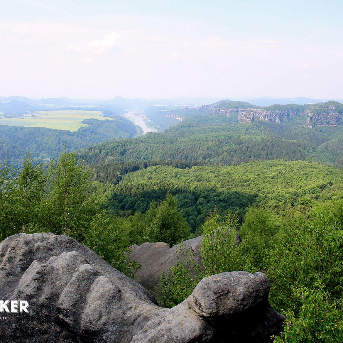 Blick von der Kipphornaussicht kurz vor dem Gipfel des Großen Winterberg